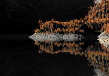 Tseuzier Lake