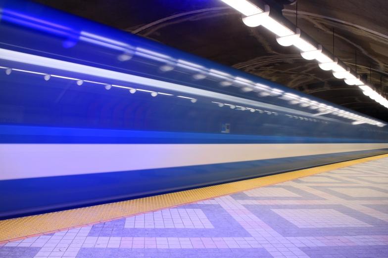 mtl-metro-edouard-montpetit_02